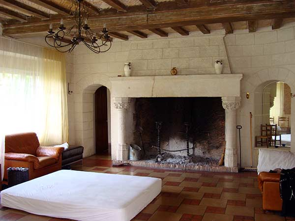 that 039 s a king sized mattress the fireplace is bigger than you think